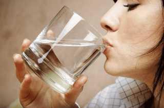 Поить теплой водой