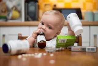 Ребенок добрался до таблеток