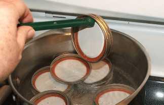 Стерилизация крышек для консервации