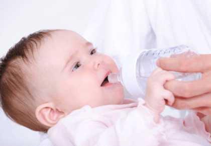 Напоить ребенка